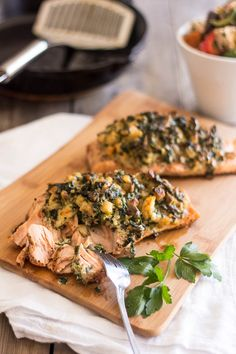 Shrimp and Spinach Stuffed Salmon. (thehealthyfoodie)