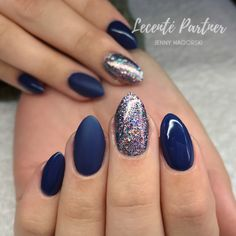 CND Shellac Winter Nights and Lecenté Goddess MultiGlitz Glitter ... gorgeous