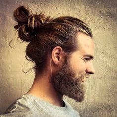 Les filles, Thor existe vraiment ! Il s'appelle Lasse Matberg, il est norvégien et surtout... terriblement sexy