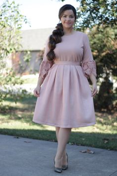 Our Lauren Skirt would be lovely for this holiday season. I plan on wearing mine on New Years Eve💓Available now at www.theskirtsociety.com Curvy Girl Fashion, Modest Fashion, Look Fashion, Plus Size Fashion, Fashion Dresses, Fashion Design, Modest Dresses, Modest Outfits, Nice Dresses