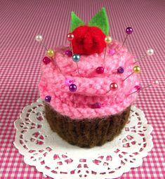 Cupcake KNITTING PATTERN Pincushion Cupcake by LiliaCraftParty