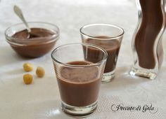Homemade Nutella or Nutellino liqueur Nutella Drink, Sweet Desserts, Dessert Recipes, Happiness Recipe, Kitchen Recipes, Cooking Recipes, Homemade Liquor, Best Italian Recipes, Romanian Food