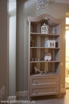 Элитный дизайн интерьера: фото, цена в Москве | Дизайн большой квартиры в современном стиле Kids Room, Bookcase, Shelves, Projects, Home Decor, Log Projects, Room Kids, Shelving, Blue Prints