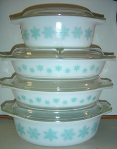 Pyrex Snowflake oval casseroles, open baker, divided dish. 045, 2.5qt. no # 1.5qt (open baker and divided dish). 043, 1.5qt.