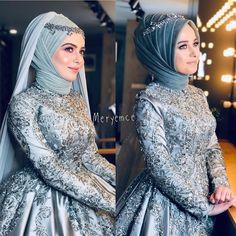Ayn ni anl iki farkl g zel de haz rlad k kisi de birbirinden g zel oldu leti im 0555 583 00 06 Muslimah Wedding Dress, Muslim Wedding Dresses, Disney Wedding Dresses, Muslim Brides, Bridal Dresses, Muslim Girls, Muslim Couples, Hijab Fashionista, Makeup Hijab