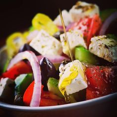 "108 ""Μου αρέσει!"", 5 σχόλια - Theodosis Georgiadis (@theodosis) στο Instagram: ""Greek salad Photo by⠀ #theodosisgeorgiadis #foodphotography #beautifulcuisine #tastespotting…"""