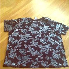 ✅Nice top Short sleeve top with shoulder pads that can be removed Tops Tees - Short Sleeve