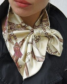 Pattern French kerchief - will soon be relevant! - In the Course of Life Ways To Tie Scarves, Ways To Wear A Scarf, How To Wear Scarves, Head Scarf Tying, Scarf Knots, Toddler Skirt, Easy Sewing Patterns, Pattern Sewing, Neckerchiefs