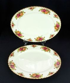 2 Royal Albert Old Country Roses 13 33cm Oval Platters / Steak Plates 1962-73
