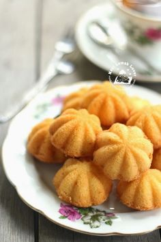 Earlier I made the old-fashioned of kuih Bahulu ( egg sponge cake) by adding Soda drink method. This time I tried with difference method,. Chinese Egg Cake Recipe, Chinese Cake, Chinese Food, Asian Snacks, Asian Desserts, Asian Recipes, Chinese Recipes, Tea Cakes, Cupcake Cakes