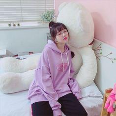 Gfriend-Yerin 181030 Instagram @gfriendofficial Kpop Girl Groups, Korean Girl Groups, Kpop Girls, Bubblegum Pop, Purple Outfits, G Friend, Entertainment, Kpop Outfits, Ulzzang Girl