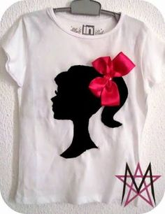 Refashion Co-op: Upcycling a plain white shirt – T-Shirts & Sweaters Fabric Paint Shirt, Paint Shirts, T Shirt Painting, Tshirt Painting Ideas, Plain White Shirt, White Shirts, White Blazers, Shirt Refashion, T Shirt Diy