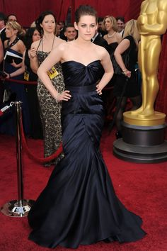 Kristen Stewart Navy Blue Mermaid Strapless Gown 82nd Oscars JSRC0022