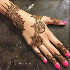 Mehndi henna designs are always searchable by Pakistani women and girls. Women, girls and also kids apply henna on their hands, feet and also on neck to look more gorgeous and traditional. Henna Hand Designs, Mehndi Designs Finger, Simple Arabic Mehndi Designs, Mehndi Designs For Fingers, Mehndi Simple, Beautiful Mehndi Design, Henna Tattoo Designs, Mahendi Designs Simple, Mehandi Designs Easy