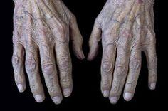 Manos de artista (jucarfoto) Tags: person persona hands artist skin touch fingers manos nails dedos wrinkles dorso knuckles artista uñas piel arrugas nudillos tacto