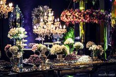 Blog OMG I'm Engaged - Decoração da mesa de doces do casamento em tons de rosa e branco. Wedding decoration in pink and white.