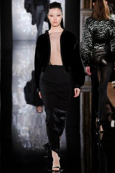 Fall 2014 Ready-to-Wear Valentin Yudashkin