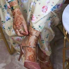 Beautiful Arabic Mehndi Designs, Modern Henna Designs, Arabic Henna Designs, Latest Bridal Mehndi Designs, Henna Designs Easy, Mehndi Designs For Fingers, Best Mehndi Designs, Mahendi Design, Mehndi Design Photos