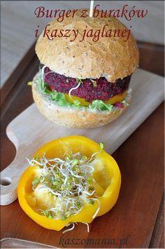 Burger z kaszy jaglanej i buraków