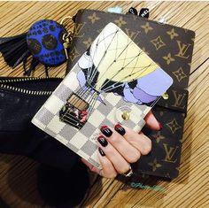 ✦⊱ɛʂɬཞɛƖƖą⊰✦ Louis Vuitton Passport Cover, Louis Vuitton Mm, Louis Vuitton Agenda, Louis Vuitton Monogram, Agenda Planner, What In My Bag, Day Planners, Sd, Journals