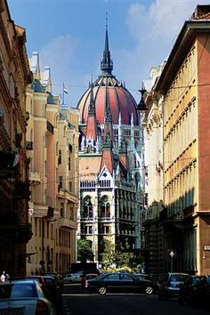 Budapest, Hungary (by León de Nemea)