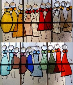 Digging these stained-glass ladies. I'd like one in red and one in purple.  mooi_uitzicht_05