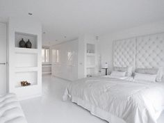 bedroom/walk in closet/bathroom en suite.. Private residence Naarden.. by www.dag-en-nacht.com