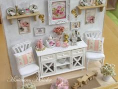 Miniature Dollhouse Shabby Chic Room Set, Scale 1 : 12