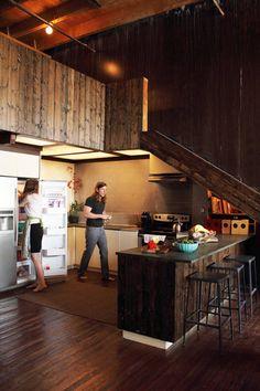 Philip & Leona's Wide Open Kitchen – Loft İdeas 2020 Loft Design, House Design, Kitchen Spotlights, Rustic Loft, Rustic Feel, Open Kitchen, Loft Kitchen, Kitchen Small, Kitchen Wood