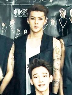 Haha! Sehun's face! And why is Chen so beautiful?!