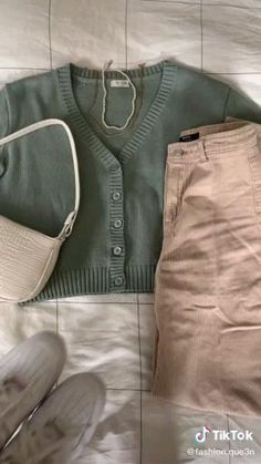 Teen Fashion Outfits, Retro Outfits, New Outfits, Girl Outfits, Casual Hijab Outfit, Cute Casual Outfits, Simple Outfits, Look Legging, Look Girl