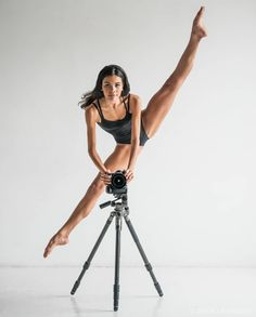 Cool dance photoshoot idea! Incredible Inès Joseph captured by Jason Lavengood. Follow us for more stunning dance phototgraphy!
