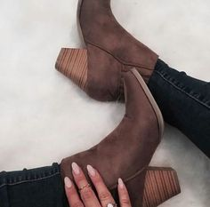 Find More at => http://feedproxy.google.com/~r/amazingoutfits/~3/vrLnhlEZN9Y/AmazingOutfits.page