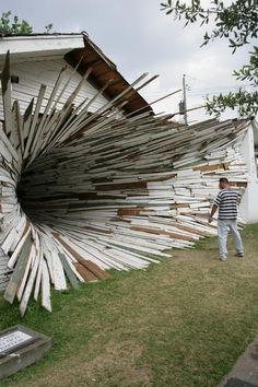 Art League Houston Vortex House- reminds me of an art wire and fabric sculpture I did back in Art School Land Art, Fantasy Kunst, Fantasy Art, Art Public, Street Art, Instalation Art, Photo D Art, Art Sculpture, Wow Art
