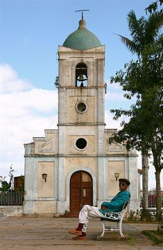 The central square of this small town in western Cuba. Vinales, Varadero, Santa Lucia, Trinidad, Places Around The World, Around The Worlds, Island Nations, Havana Cuba, Caribbean Sea
