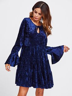 SheIn offers Keyhole Tie Neck Bell Cuff Tiered Velvet Dress & more to fit your fashionable needs. Fall Dresses, Sexy Dresses, Dress Outfits, New Years Dress, Royal Blue Dresses, Tiered Dress, Vintage Style Dresses, Dress Sewing Patterns, Couture Dresses