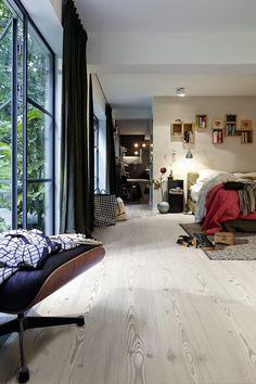 Schon Ein Schlafzimmr Im Urban Style Mit Laminatboden In Fichte Nordic 6383,  LD300. Stilberatung Unter