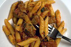 Englishman in Roma: Pasta mit Lamm-Minz-Tomaten-Sugo | Rezept | Rezepte mit Bildern für die anspruchsvolle Hobbyküche
