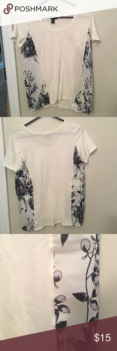 Short sleeve blouse Brand new never worn but tags were removed. Cotton shirt with sheer algodon side panels. Very cute shirt but too big for me GAP Tops Tees - Short Sleeve