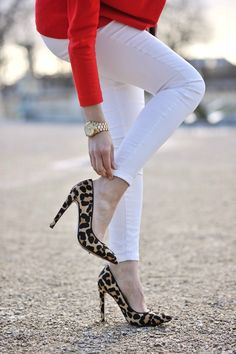 Red, white and leopard! Love the shoes with the skinny #white pants topped off with #red. | LOVE/WANT those shoes!