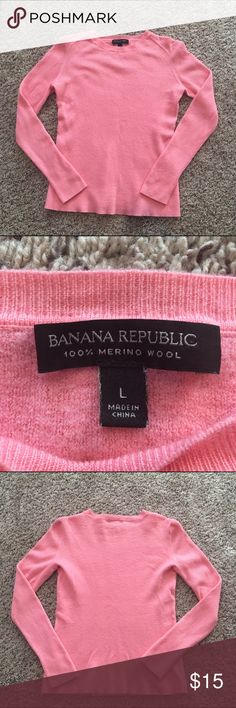 Banana republic Womens Large sweater Great condition! Smoke feee home! Ships fast! Banana Republic Sweaters Crew & Scoop Necks