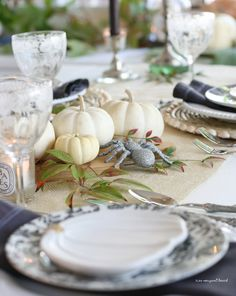 Halloween Table Settings, Fall Table Settings, Thanksgiving Table Settings, Halloween Dinner, Halloween 2020, Autumn Table, White Napkins, Bistro Chairs, Black Candles