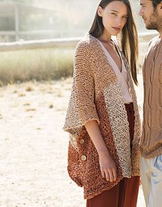 Model / Pattern of Poncho of Woman of Spring / Summer from KATIA Crochet Cardigan, Crochet Top, Easy Knitting, Sports Women, Pulls, Color Trends, Diy Fashion, Knitwear, Casual
