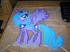 perler_bead_art___princess_luna__mlp_fim__by_endgamecrafts-d5y7bn1.jpg (1024×768)