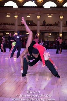 Dance Pose of the Day … Bachata Dance, Partner Dance, Dance Routines, Dance Pictures, Dance Images, Salsa Dancing, Dance Lessons, Dance Poses, Learn To Dance