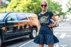 Gonna peplum dal taglio elegante smorzata con una t-shirt con stampa da vera rockstar #nfw #streetstyle #fw16 #tshirt #rock
