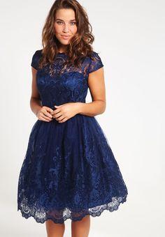 Robes Chi Chi London Curvy APRIL - Robe de soirée - navy tonal bleu foncé…
