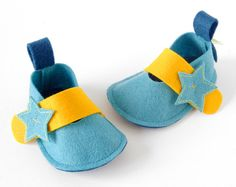 More inspired baby shoes! So cute!! Sea blue baby shoes Pixie Star newborn boys & girls by LaLaShoes, $35.00