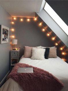 Beautiful Small Bedroom Decor Ideas on a Budget (Minimalist Bedroom Ideas) Cool Teen Bedrooms, Teen Bedroom Designs, Room Ideas Bedroom, Small Room Bedroom, Awesome Bedrooms, Girl Bedrooms, College Bedrooms, Bed Room, Master Bedroom