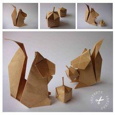 écureuil marque place + jolie noisette ☺ Chat Origami, Origami Cat, Origami Videos, Origami Paper Art, Table Origami, Deco Table Noel, Christmas Craft Projects, Japanese Paper, Paper Folding